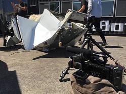 Blackmagic Design製品事例:MegaBotsによる巨大ロボット対戦の撮影の場合