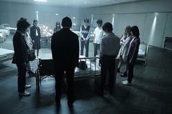 死体役を熱演 (C)2019「十二人の死にたい子ども たち」製作委員会