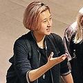 25日、香港の女優エレイン・ンが、ジャッキー・チェンとの間に生まれた18歳になる娘が失踪したと警察に捜索願を出していたことが分かった。写真はエッタ・ンさん(左)。