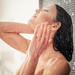 美容にも効果抜群!夏だからこそできる冷水シャワーの...
