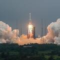 中国の大型ロケット「長征5号B」が近く制御不能の状態で大気圏に再突入する/Ju Zhenhua/Xinhua/AP