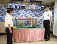 新開地駅の改札前に設置されたプラレール=2021年6月4日、神戸市兵庫区新開地2丁目、岩本修弥撮影