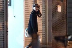 10月末の深夜1時過ぎ、戸田は陽気に庶民的な居酒屋から出てきた。