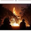 今もなお燃え盛るオーストラリアの森林火災(画像は『New York Post 2020年1月9日付「Australian man who lost home in bushfires wins lottery jackpot」(EPA)』のスクリーンショット)