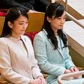 千葉県少年少女オーケストラ公演を鑑賞されるご姉妹(撮影/JMPA)