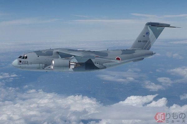 国産輸送機C-2、国際デビューの...