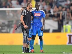 松葉杖をつくDFジョルジョ・キエッリーニ