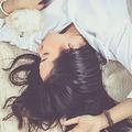 睡眠不足「薄毛」の原因に