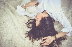 睡眠時間と薄毛・抜け毛に関係があるって本当?