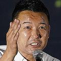 品川駅前で街頭演説をする「れいわ新選組」の山本太郎代表(時事通信フォト)