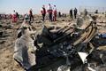 ウクライナ国際航空機の墜落現場(ゲッティ=共同)
