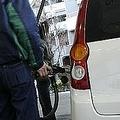 車を揺らすとガソリンが多く入るは本当か オススメはできない