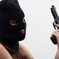 銃で脅しドメイン強奪か 米アイオワ州のインフルエンサーに懲役14年