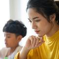 世の中のワーキングマザーたちは、子どもの休校長期化と自身のテレワークとの両立の中で、どのような教訓を得たのか(写真:Pangaea/PIXTA)