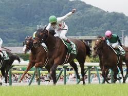 【七夕賞】菊沢一樹「皆さんのおかげです」ミッキースワローで重賞初制覇!