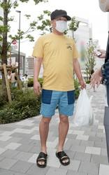5月31日、都内で食材を買っていたフジモンを直撃! ユッキーナに「お使いを頼まれることもある」という
