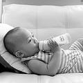 手料理と似た心理?粉ミルク育児に母親が抱く罪悪感