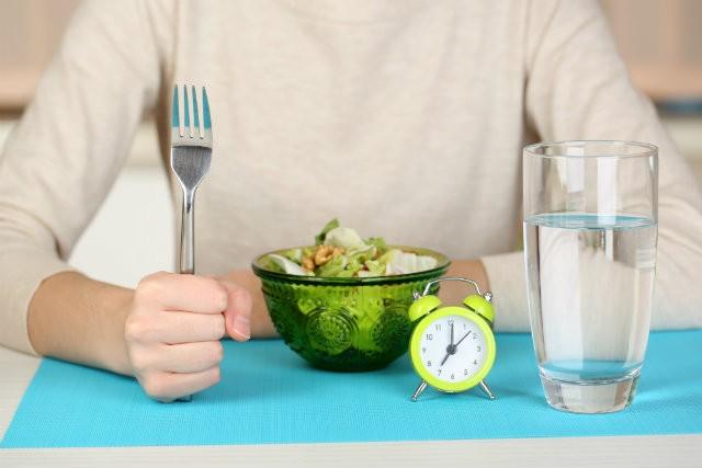 """冬太りの予防は食生活の見直しから。スタイル美人が実践する""""痩せボディ""""をキープする3つのルール"""