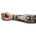 腕に装着してサイボーグアームに SF感満点のアームカバーガチャ