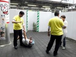 「NHKから国民を守る党」議員が松戸市長選運動中に市民メディアに暴行。その顛末
