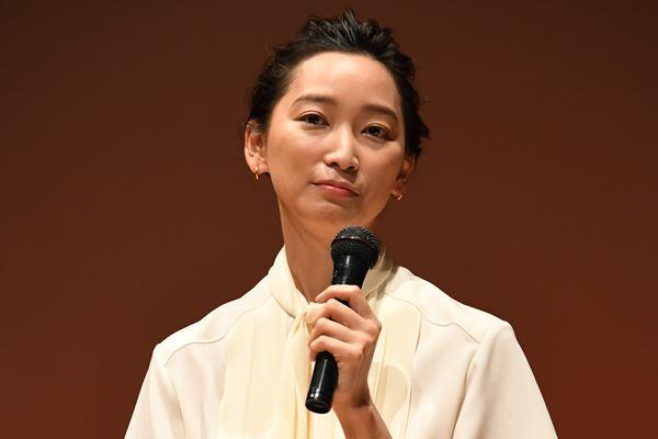 """杏 東出昌大への""""最後の情け""""…映画公開まで離婚待っていた"""