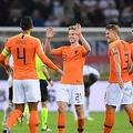 オランダがドイツに逆転勝利、後半4得点で競り合い制す EURO予選