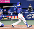 3回1死、根尾が右中間に満塁本塁打を放つ