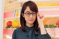 「花粉症」や「キャラ変」ではなく…新井恵理那が、メガネをかけていた理由