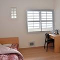 受刑者が過ごす部屋は全て個室で、鍵はかけない=2020年2月28日、札幌市東区