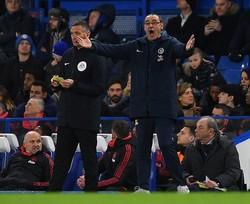 FAカップ5回戦でマンUに敗れ、いよいよ後がなくなったチェルシーのサッリ監督。(C)Getty Images