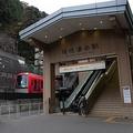 箱根駅伝の名物「小涌谷踏切」台風19号被災で電車はいまだ通らず