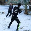 イラクの首都・バグダッドで100年に2度目の降雪 人生初と喜ぶ人も