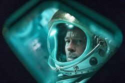 ブラッド・ピット主演!消息を絶った父を追う宇宙飛行士に  - (C) 2019 Twentieth Century Fox Film Corporation