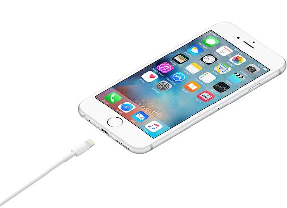 iPhoneが当面Lightningを廃止しない2つの理由、著名アナリストが語る