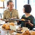 妻に先立たれた場合、支給額減 共働き夫婦の老後に潜む年金リスク