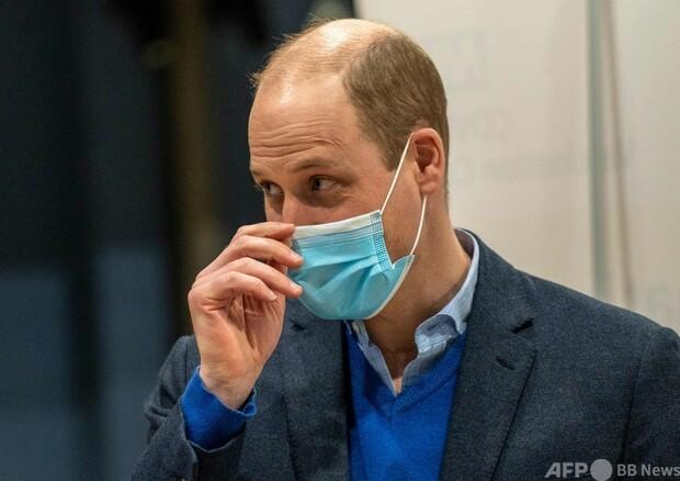 [画像] 英王子がワクチン接種呼びかけ ネット上の偽情報に警戒感