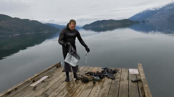 6カ月間湖の底に沈んでいたiPhone11、持ち主に返還され問題なく動作