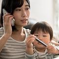1日14〜16時間労働 「過労死」リスク抱える共働き家庭の育児