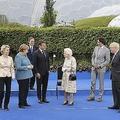 G7で菅首相ぽつん 批判と同情