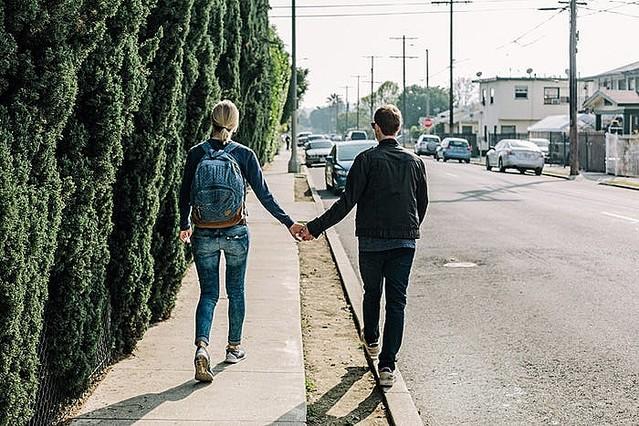 [画像] デートの別れ際にやりたいバイバイテク4選 次の約束もできるかも!?