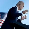 米ペンシルベニア州ゲティスバーグで選挙集会を開いたジョー・バイデン氏(2020年10月6日撮影)。(c)Brendan Smialowski / AFP