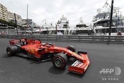 19F1第6戦のモナコGPのテスト走行に臨むフェラーリのセバスチャン・ベッテル(2019年5月23日撮影、資料写真)。(c)Boris HORVAT / AFP