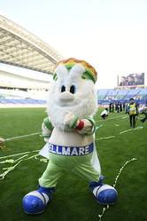 問題文には湘南の選手やキングベル�世などが登場する。写真:金子拓弥(サッカーダイジェスト写真部)
