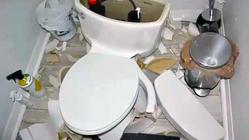 20190813-toilet-explosions-01