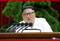 30日、朝鮮労働党中央委員会第7期第5回総会の3日目会議で演説する金正恩氏(2019年12月30日付朝鮮中央通信)
