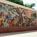 ビンディン省にあるゴダイの壁画。韓国軍の虐殺を伝える