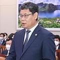 国会外交統一委員会で答弁する金長官=28日、ソウル(聯合ニュース)