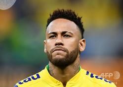 古巣のFCバルセロナ復帰に「口頭で合意した」と報じられたフランス・リーグ1、パリ・サンジェルマンのブラジル代表ネイマール(2019年6月6日撮影)。(c)EVARISTO SA / AFP