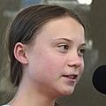 グレタ・トゥンベリさんが13歳の妹へのいじめを明かす 脅迫に怒り