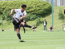 2本目39分、U-18日本代表候補はMF中村龍雅(相模原U-18)が右足で同点ゴール